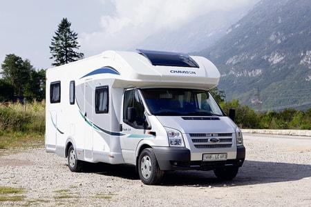 pour partir en vacances optez pour le camping car partag terra eco. Black Bedroom Furniture Sets. Home Design Ideas