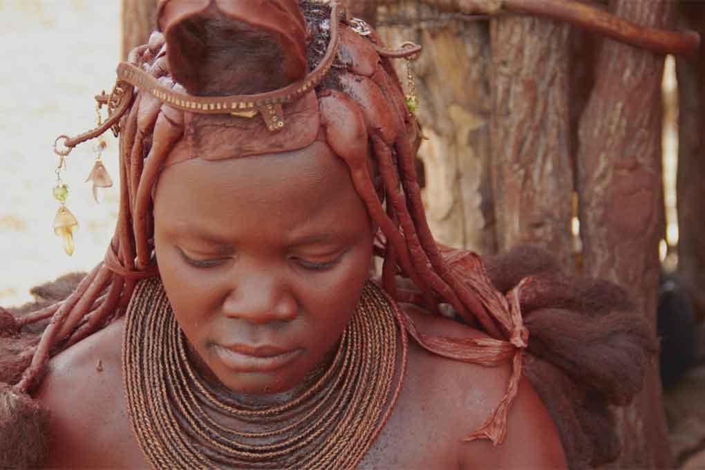 les himbas se font gardiens du temple de la faune de namibie terra eco. Black Bedroom Furniture Sets. Home Design Ideas